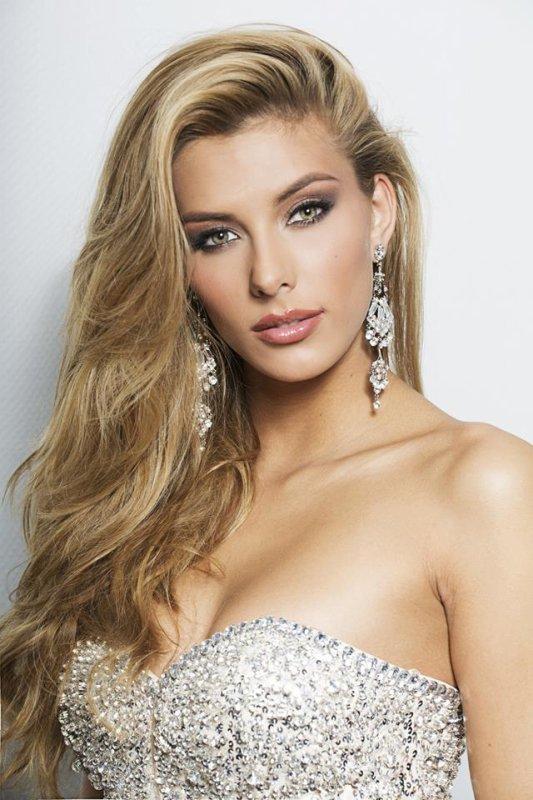 Camille Cerf - Photos officielles Miss Univers
