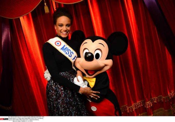 Alicia Aylies   Disneyland Paris