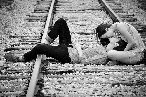 Les Histoire D'amour C'est Comme Les Voyages En Train  . . .