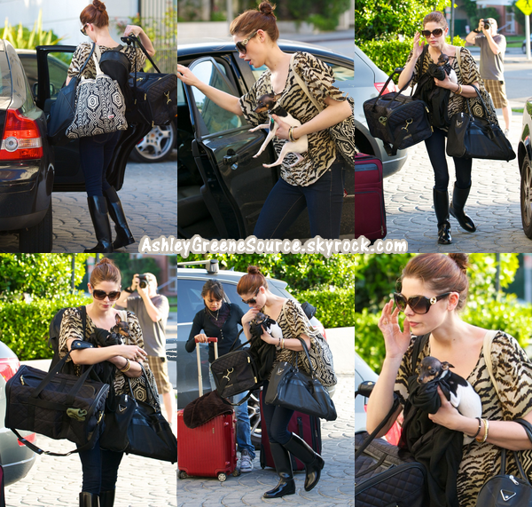 Le tournage de BD étant fini, Ashley a été apperçue se rendant à l'aéroport YVR à Vancouver pour y prendre un vol en direction de Los Angeles en compagnie de certains autres acteurs de Twilight.