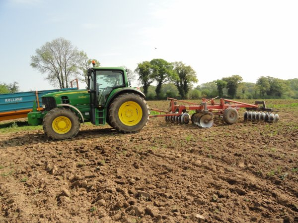 john deere de location