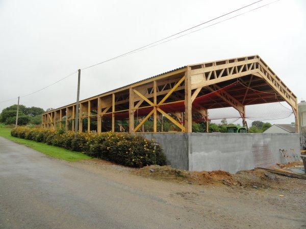 le hangar en cour de construction