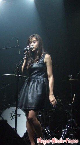 Le concert à Paris décrit par des fans