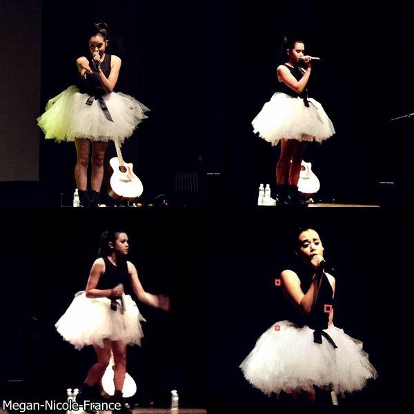 • Megan à Singapour