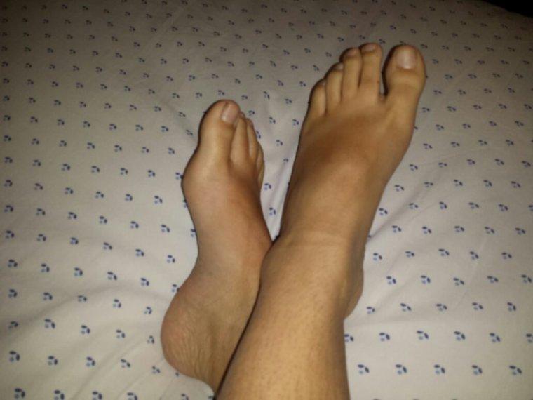 Mes jambes et mes pieds ce soir