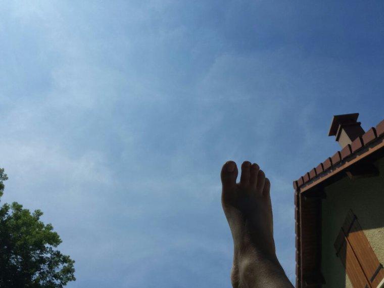 Suspendu au dessus du ciel ...