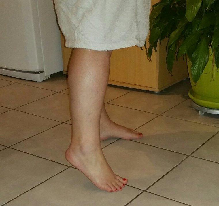 J'ai verni les pieds de ma femme ce soir ...