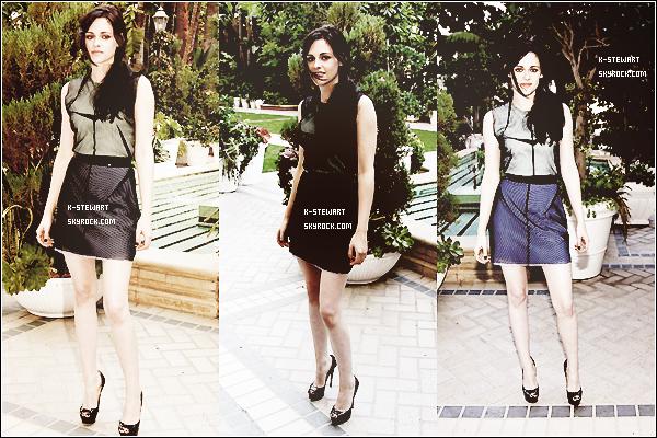 FlashBack: Le 6 Novembre 2011, Kristen était à la conférence de presse de Breaking Dawn. -