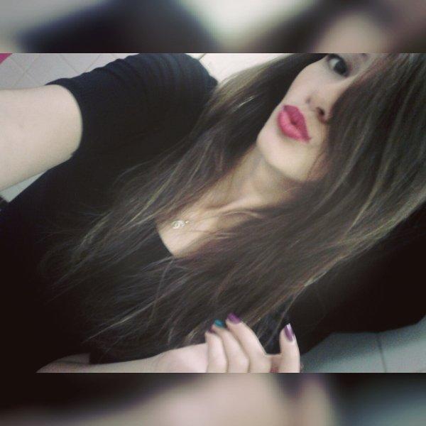 • Si tu m'aimes pas, arrête ton blabla, ignore moi ça suffira.