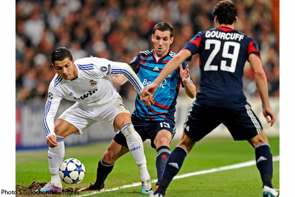 Ligue des Champions 1/8 de finales 16/03/2011  Real Madrid 3-0 Lyon