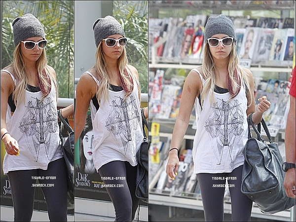 *  27 avril 2012 : Ashley à d'abord  été vue quittant le domicile de ses parents dans Toluca Lake. Miss Tisdale s'est ensuite rendue à L'Equinox Gym dans West Hollywood.   *