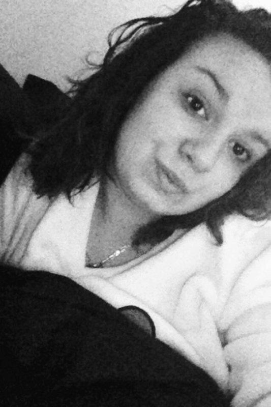 Me sourire pas,on est pas copine. ;)