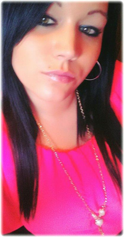 Depuis Que T'es Parti Jai Mal Au Ventre Jai Des Mauvaises Notes Je Crois Que Je Suis Sur La Mauvaise Pente,A La Maison Sa Pleure Ta Mort Constamment Maman,Range Ta Chambre Chaques Jours On T'Attend,Papa M'as Dit Que C'est La Vie C'est Comme Ca Mais Si la Vie C'est Comme Sa Moi Je Finirais Comme Toi!!