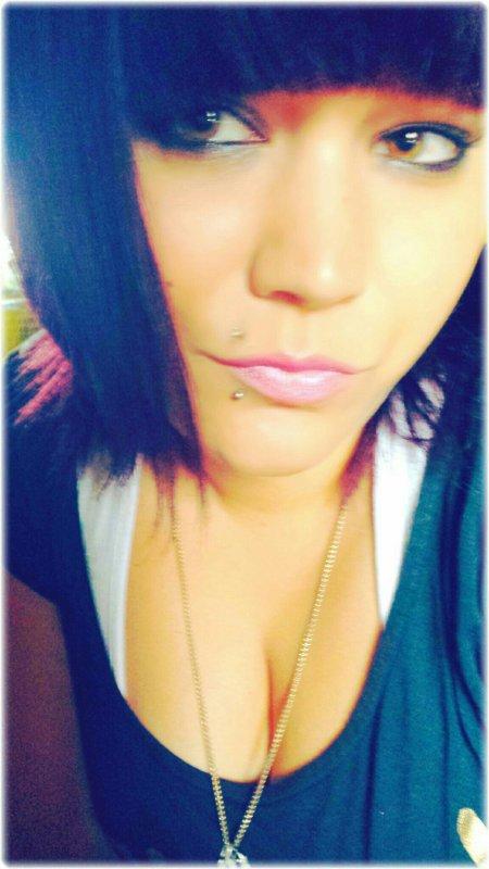 Entre Rêves Et Cauchemard La Distance Est mince?plus J'avance Plus Je Recule,Il Suffit D'un Regard Sur Ma Vie Et Les yeux Fermés Je Vis Un Cauchemard..Oublie Tes Souffrances,Tes Peines Et Tes Cauchemard Quand Les Rêves Se Font Rares,J'aimerai Que Ton Mal S'apaise Car je Sens Que Tes Cauchemards Te Blèssent..