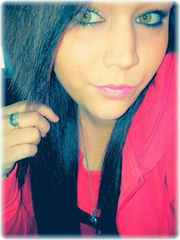 J'aimerai Bien..Je Sais Pas Si tu Veux Mais Si Tu Pouvais Un Peu..Peut être De Temps En Temps,Quand Tu En As Envie,Quand Tu N'as Rien De Mieux A Faire..J'avais Penser Que Tu Pourrais,Mais Je N'exige Rien Je Comprendrais Très Bien Que Tu Ne Veuilles Pas,Que Tu Préfères Laisser Ca A Quelqu'un D'autre Mais Bon..Tu Voudrais Pas M'aimer??!