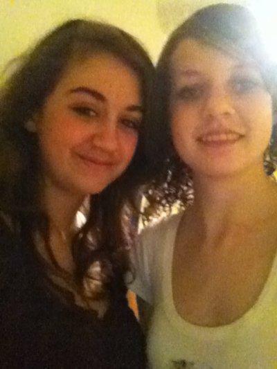 moii et une de mes meilleur amies :)