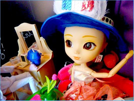 Louna, (DollHouse1)