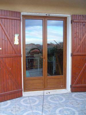 Porte fenetre pvc 1 grande bleue mcl am nagement habitat for Fenetre bois double vitrage