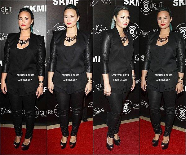 """18 Octobre Demi était présente """" Redlight Traffic Dingnity Gala """" à l'Hôtel Beverly Hilton à Beverly Hills, en Californie."""
