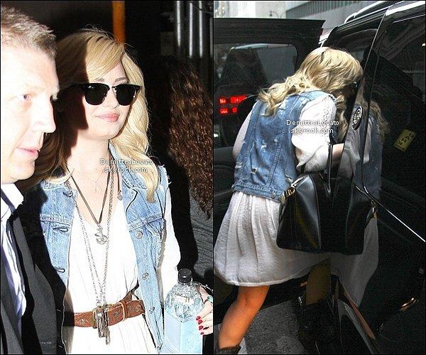 28 Juin Demi à était vue quitter sont hôtel de New York City.