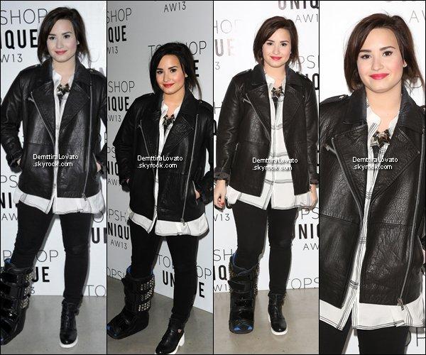 .                           17 Février Demi était à la Fashon Week à LONDRES est assitée au défilé Topshop Unique AW13.                                              .