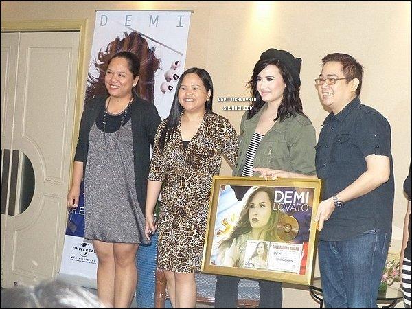 .    20 Mars Demi à donner une conférence de présse aux Philippines.                                                           .