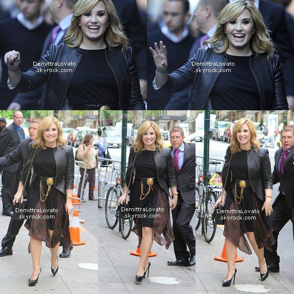 13 Mai Demi.L est arrivé à «FOX Upfronts, après Demi & Simon Cowell était dans «Central Park» direction l'After Party qui ce déroule à «New Nork» !