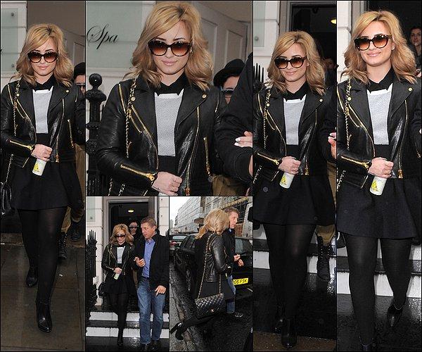 29 Mai Demi.L  et toutes son équipe on quitter l'Hôtel «Baglioni SPA», Kensington à Londres.