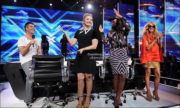 12 Juin Pour « X-Factor » Demi est les autres juré était à la Nouvelle Orléan. (Louisiane)