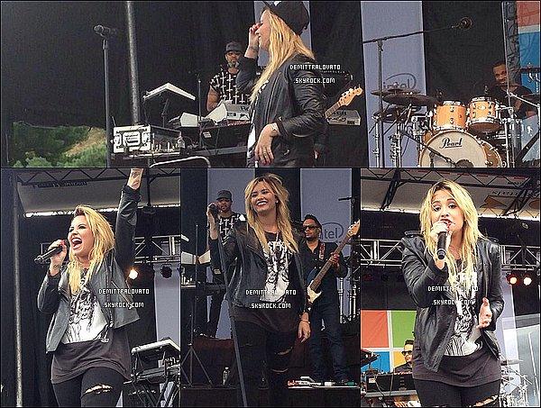 21 Septembre Demi à donner un concert l'après-midi pour l'ouverture d'un magasin Microsoft Burlington dans le Massachusetts. Pour ce concert gratuit 5000 fans était présent bien sur, il y à eu un Meet & Greet. Les fans aurais attendu toute la nuit pour avoir des billet.
