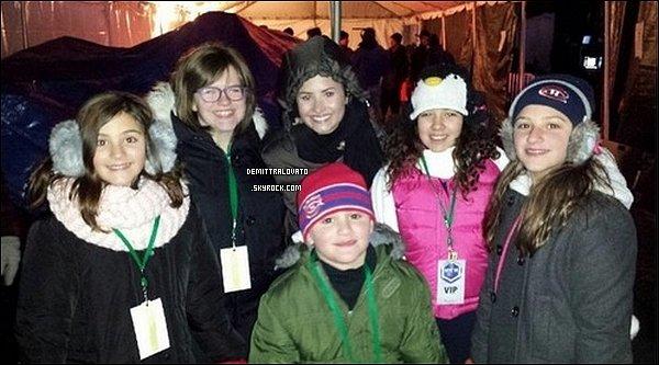 31 Décembre Pour le Nouvel An, Demi à fait un spectacle à Niagara Falls, Canada. Demi aurait fait le décompte du compte à rebours pour la nouvelles année.