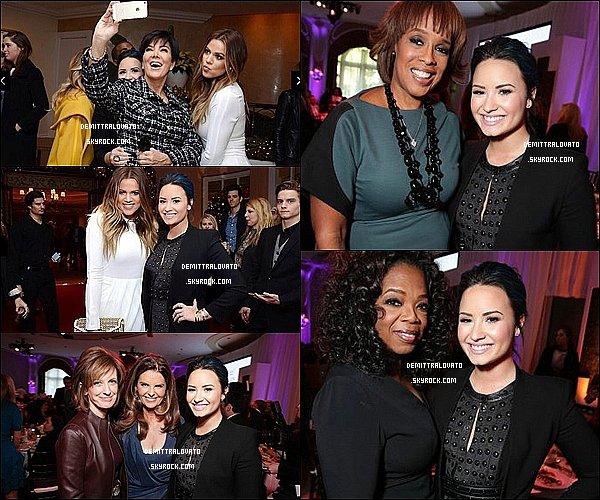 """11 Décembre Demi est aller à la cérémonie """"Les femmes dans le Hollywood Reporter dans Divertissement"""" à Los Angeles. Événement organisé par le magazine The Hollywood Reporter. Cette soirée célébré les 100 femmes les plus puissantes dans l'industrie du divertissement. Demi n'était malheureusement pas sur la liste pour prétendre au prix. Sur le tapis rouge miss Lovato à rencontré et poser avec l'actrice Nikki Reed."""
