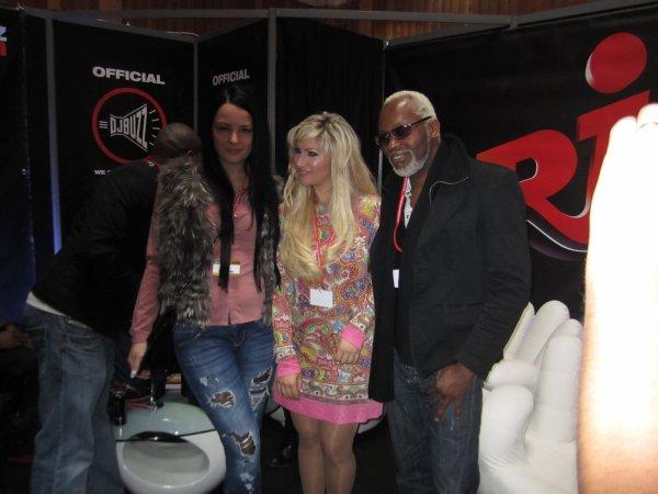 SHALYA MIXMOVE 2012 CHEZ NRJ AVEC LA PROD DE GURU JOSH PROJECT ET TOUT A GAUCHE BIG ALI !!!!!!!