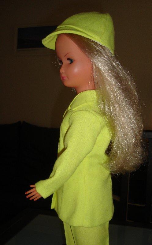 Dolly en tenue Croisette