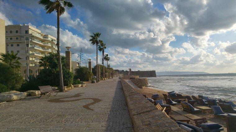 En remontant la côte méditerranéenne au Nord de Tel-Aviv...