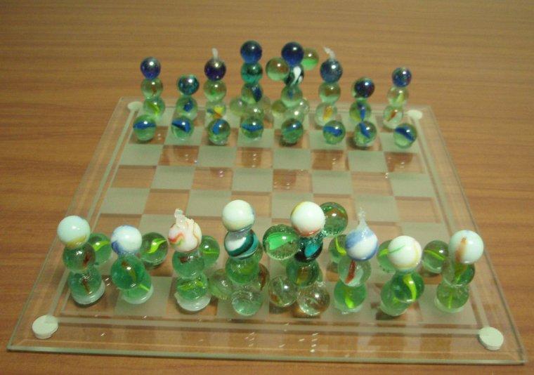 Jeux d'échec en bille de verre