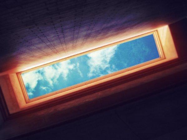 ...du fond de mes ténèbres je vois le ciel ...