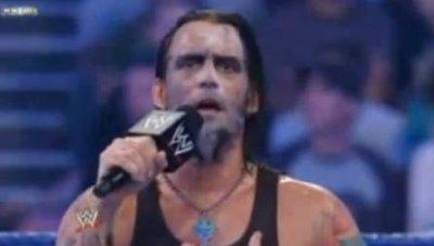 Huum... Jeff Hardy ? Ah nan CM Punk.