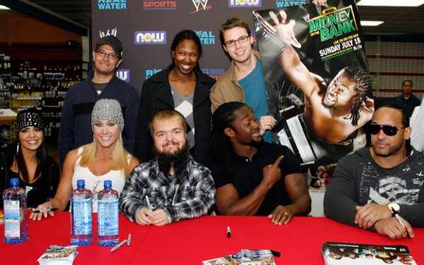 Layla, Michelle McCool, Hornswoggle, Kofi Kingston & MVP.