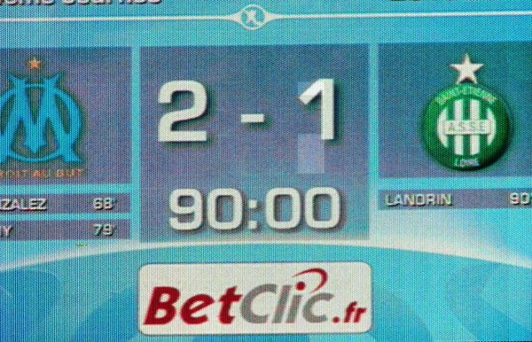 O.M - St. Etienne : 2-1..