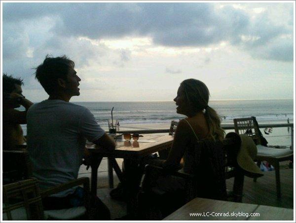 . Si nous n'avons plus de nouvelles de Lauren c'est car madame est parti à Bali avec son petit-ami Kyle. .