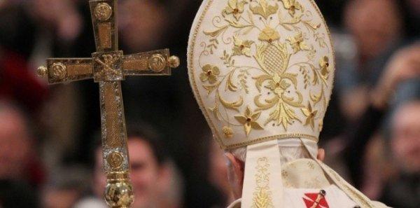 Le célibat du Pape, des évêques et prêtres