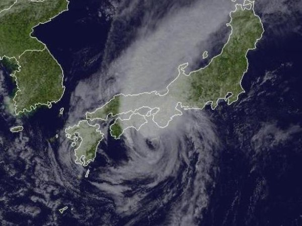 Typhon Jelawat, mon premier typhon.