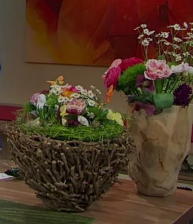 Tellerstrauß mit Kunstrasenteller - ARD-Buffet :: Kreativ