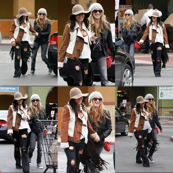 Le 17 Decembre:  Demi a l'aéroport de LAX