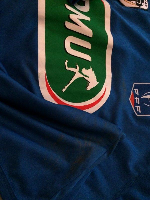 Maillot porté par le guerrier Guy NGOSSO en coupe de France 2014-15