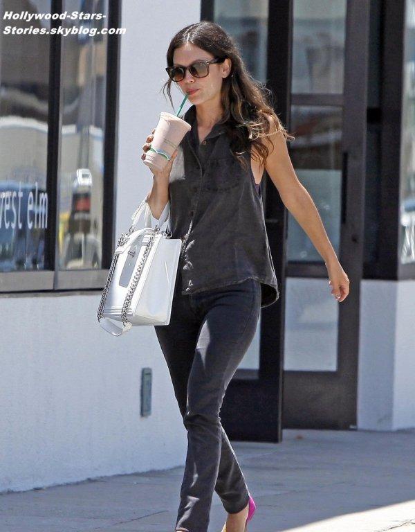 Rachel Bilson et son petit copain Hayden Christensen faisant du shopping à  West Elm, en Californie. Vendredi, 06 juillet
