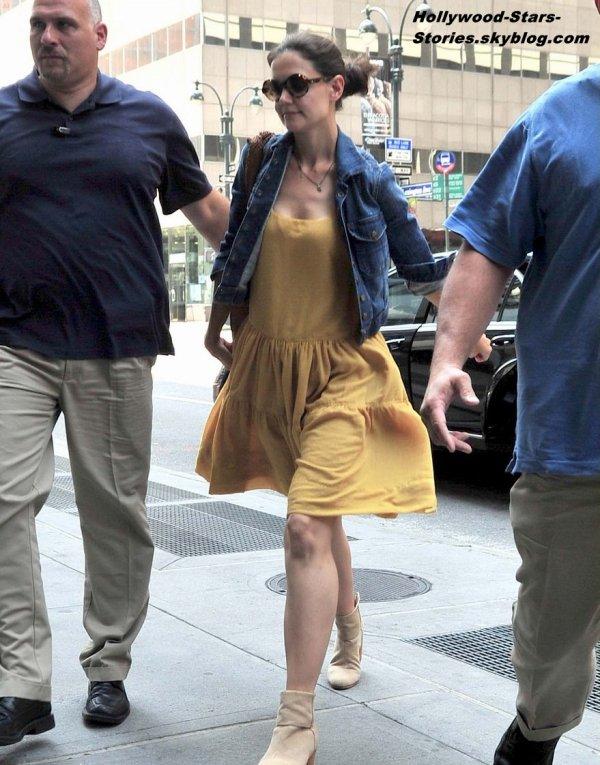 Katie Holmes dans les rues de New York. Samedi, 07 juillet