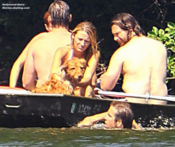 Une baignade pour Blake Lively et son petit copain Ryan Reynolds à New York. Mercredi, 04 juillet