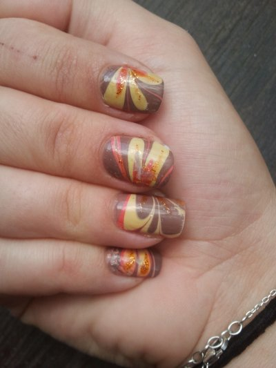 water marble coiuleur automne